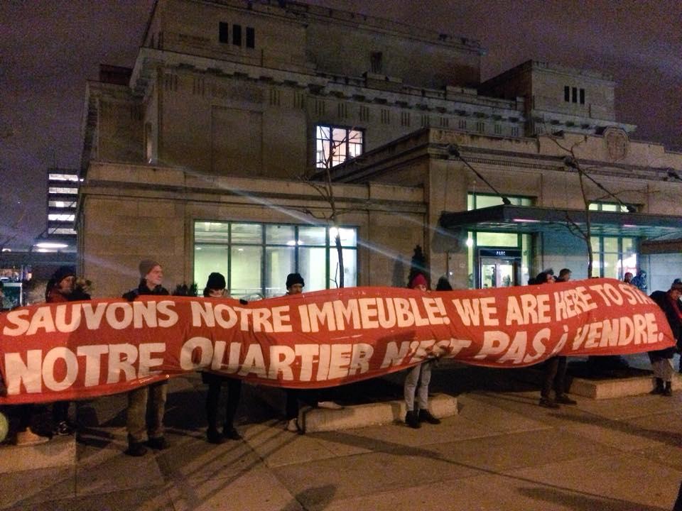 Des résident.es de Parc-Extension et des militant.es pour le droit au logement bravent la violence aux mains du Groupe BSR pour lutter contre la gentrification