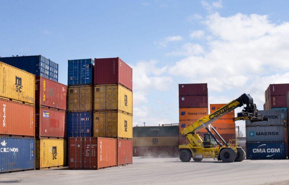 Blocage de la plateforme de transbordement de Ray-Mont Logistiques