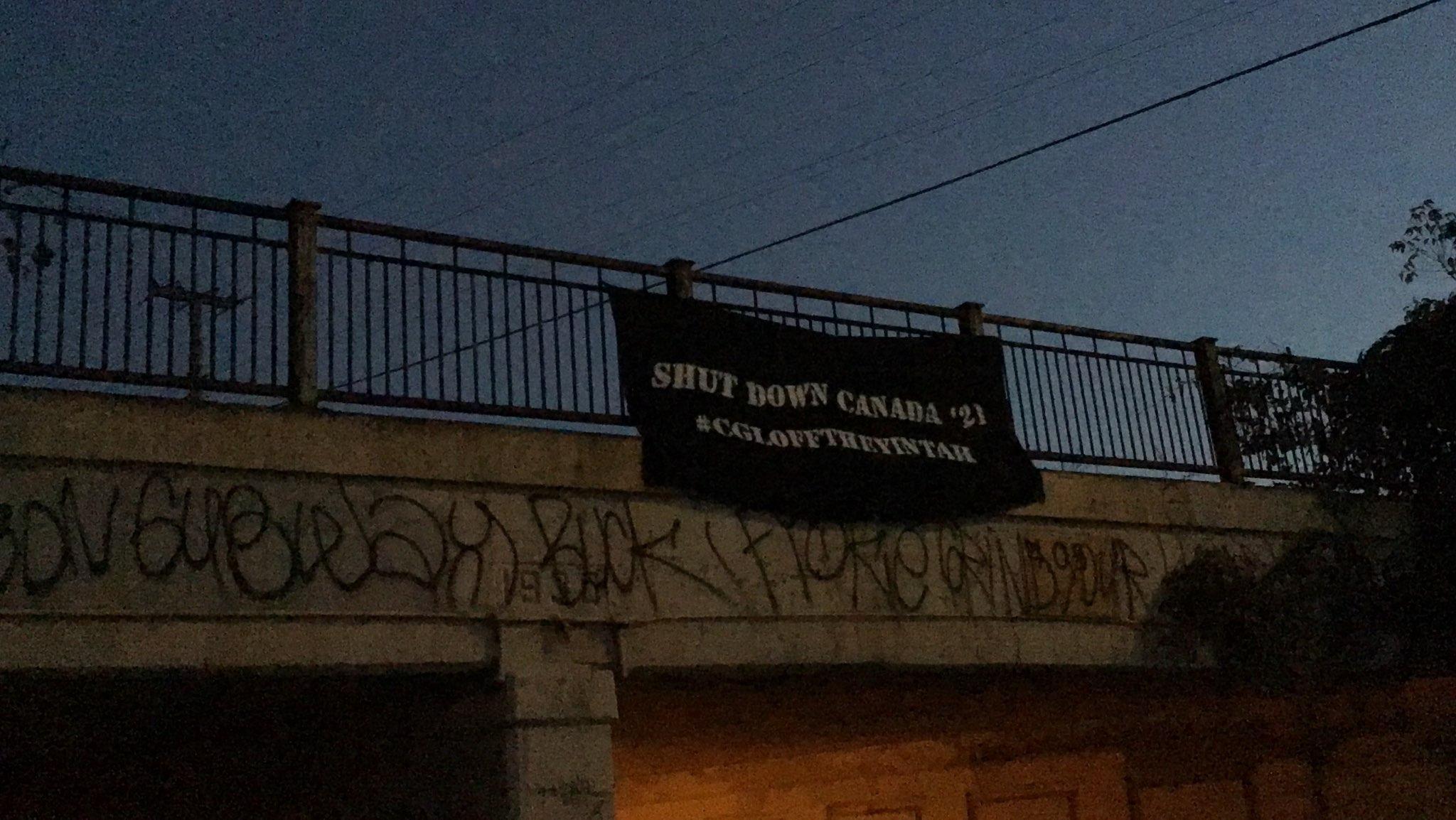 Déploiement de bannière en solidarité avec Gidimt'en